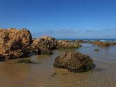 камни и море — Стоковое фото