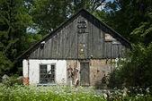 Vecchia casa di sinistra — Foto Stock