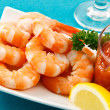 Fresh Shrimp on Aqua Background - Foto Stock