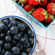 Summer Strawberries and Blueberries — Stock Photo #5907622