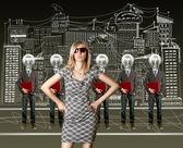 Frau und lampe kopf geschäftsleute mit laptop — Stockfoto