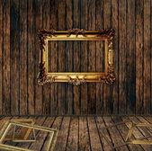 Antika ahşap duvar'ın üstüne çerçevesi yaldızlı — Stok fotoğraf