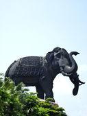 Elephant Status with blue sky — Stock Photo