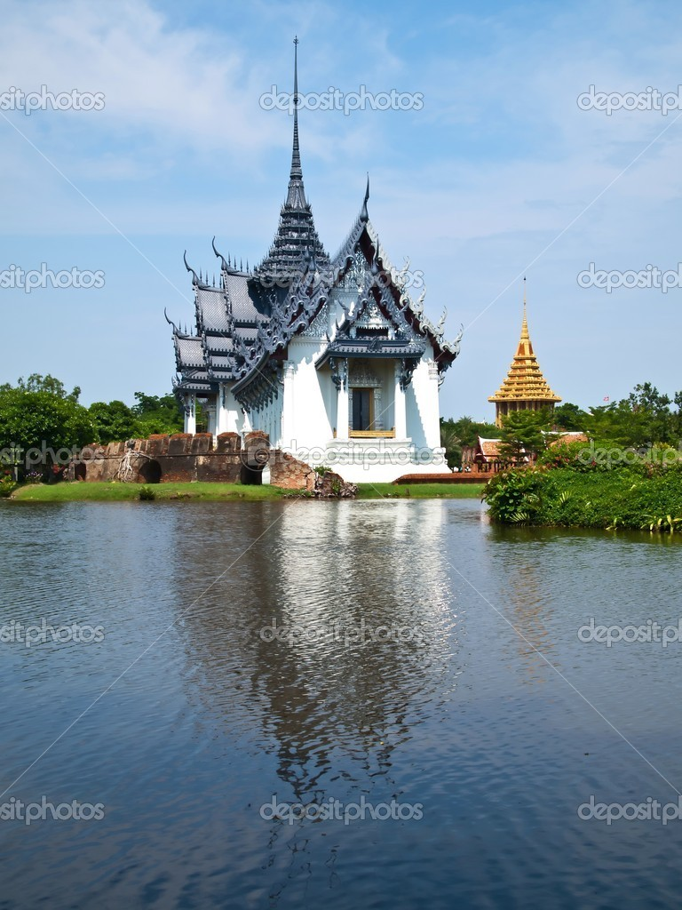 Sanphet Prasat Palace at Ancient Siam City (Mueang Boran) in Samut Prakan province (near Bangkok) , Thailand  — Stock Photo #5485488
