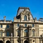 el Museo del louvre de París — Foto de Stock