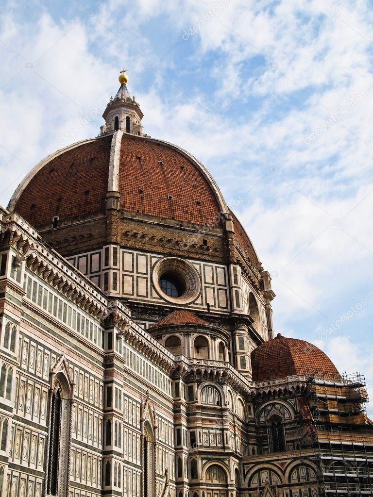 Dome of the Florence Duomo with blue sky (Florence, Italy) Europe — Stock Photo #5657022