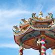 Chinesischer Tempel mit blauer Himmel — Stockfoto #5849853