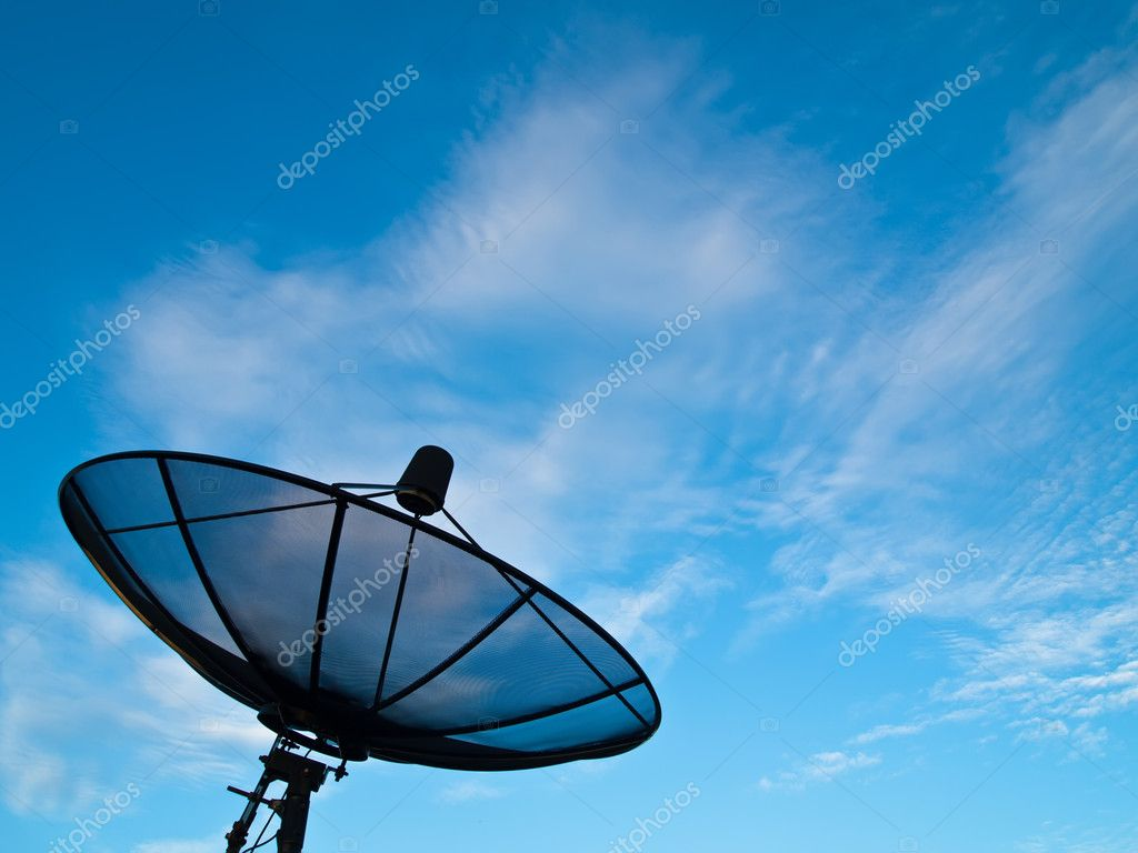 Satellite dish with blue sky and cloud background — Stock Photo #5914724