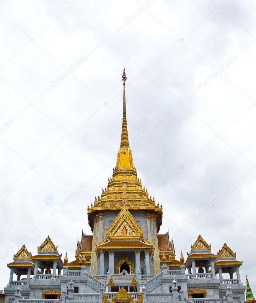 Thai architecture wat trimit bangkok thailand stock for Wat architecture