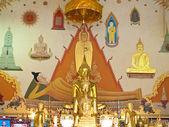 Ubosot of Wat Inthrawihan , Bangkok Thailand — Stock Photo