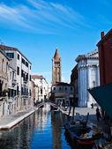один из каналов в венеции италия — Стоковое фото