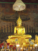 Big golden Buddha Statue at Wat Rakhang , Bangkok — Stock Photo