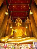 Big Buddha Statue at Wat Kalayanamitr, Bangkok — Stock Photo