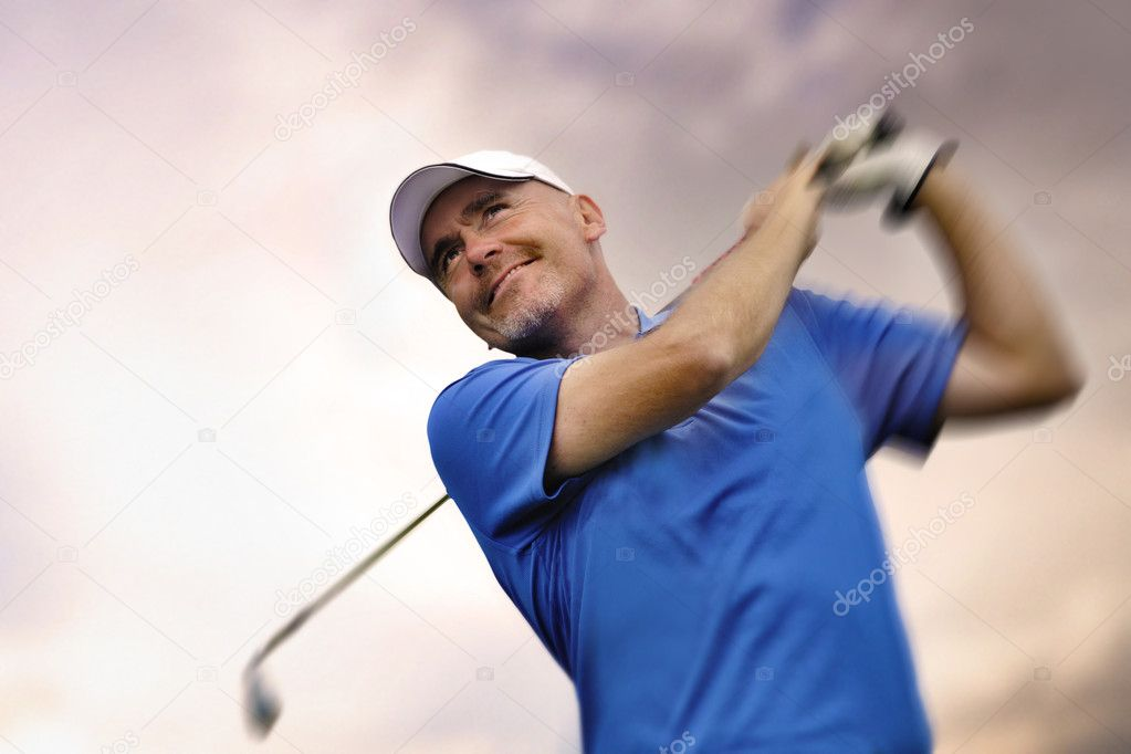 Golfer shooting a golf ball  — Stock Photo #5895111