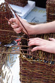 Making basket out of wicker — Stock Photo