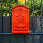 Red mailbox — Stock Photo