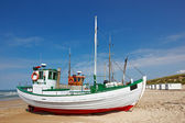 Fishing boats at the beach — Stock Photo