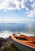 Boot en zee — Stockfoto