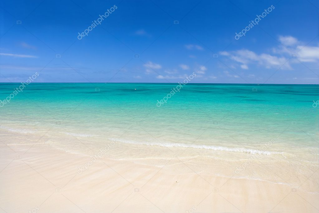 Clear and calm tropical dream beach (Hawaii) — Stock Photo #6548938