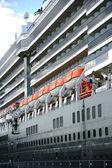 огромный роскошный круизный корабль — Стоковое фото