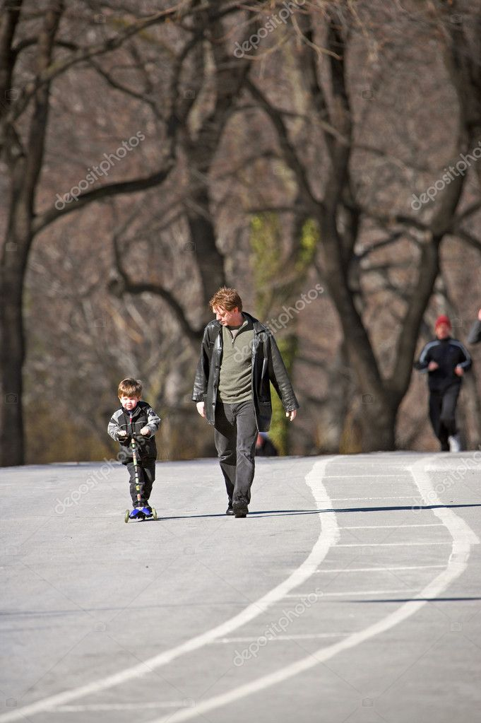 Editorial: Life in Central Park a sunny winter day, Manhattan, New York — Stok fotoğraf #6559635