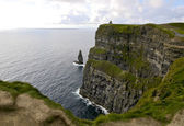 Gripping view of the Cliffs of Moher in Ireland — 图库照片