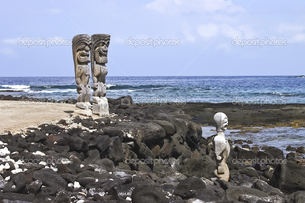 Three Idols over looking the beach on the Big Island of Hawaii — Stock Photo #6241105