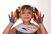小女孩用手弄脏 — 图库照片