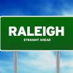 Raleigh, north carolina snelweg teken — Stockfoto