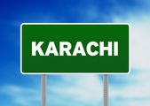 Green Road Sign - Karachi, Pakistan — Stock Photo