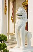 Thai style lion statue — Stock Photo
