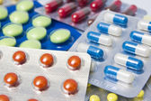 Mucchio di pacchetti assortiti pillola — Foto Stock