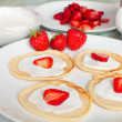 Flapjacks With Strawberries and Cream — Stock Photo