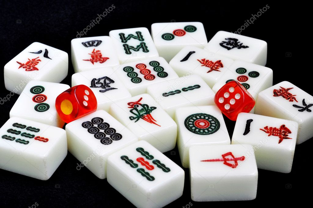 Chinese mahjong tiles and dices on a black background — Stock Photo #6632863