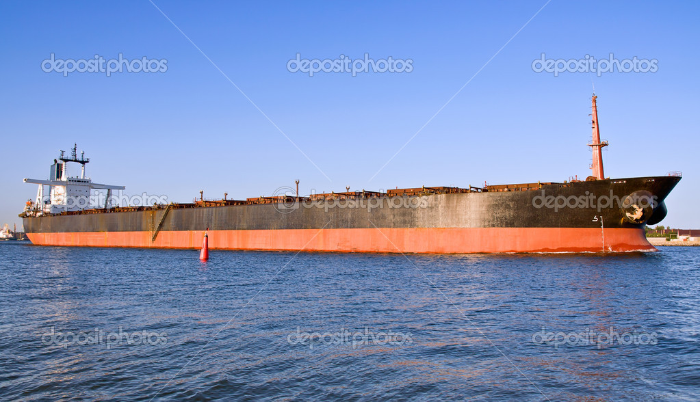 A big cargo ship in the harbour. — Stock Photo #6223776