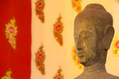 Buddha head statue over traditional Thai style painting — Stok fotoğraf