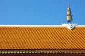 Tetto del tempio tailandese con corona in stile nordico — Foto Stock