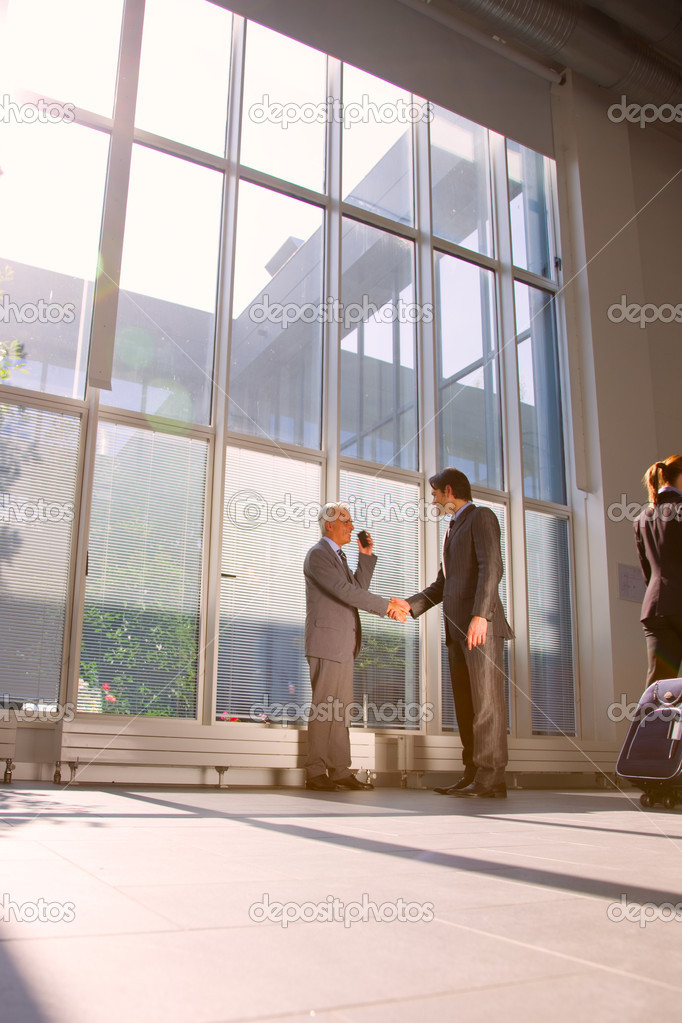 Businessman meet shaking hands — Stock Photo #6035746