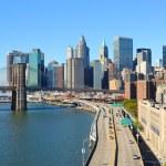 Brooklyn Bridge and Manhattan — Stock Photo #5533017