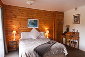Interior de quarto fox glacier lodge — Foto Stock