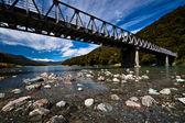 Puente alpino en nueva zelanda — Foto de Stock