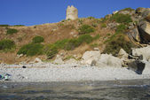 Saracen tower on the calabrian coast — Stockfoto