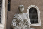 Talking statue in Rome — Stock Photo