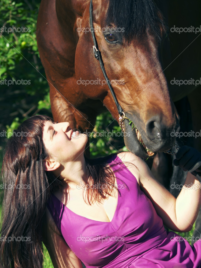 Pretty women with horse outdoor sunny day — Stock Photo #5993361