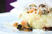 Risotto mit meeresfrüchten. traditionelle italienische küche — Stockfoto