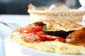 Omlet z warzywami i boczkiem — Zdjęcie stockowe