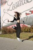 Modern dancer girl outdoor — Stock Photo