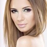 Portrait beautiful brunette — Stock Photo #6143331