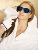 Laser hair removal in professional studio. — 图库照片