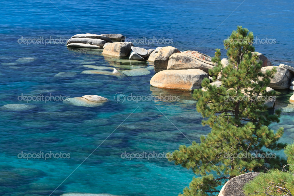 Lake tahoe shore — Stock Photo #6706183